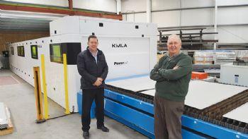 Large-capacity fibre laser