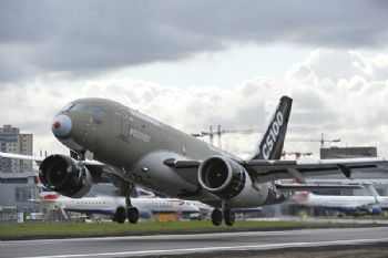 Landmark flight for Bombardier C Series