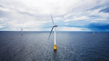 Hywind floating wind farm delivers power to grid