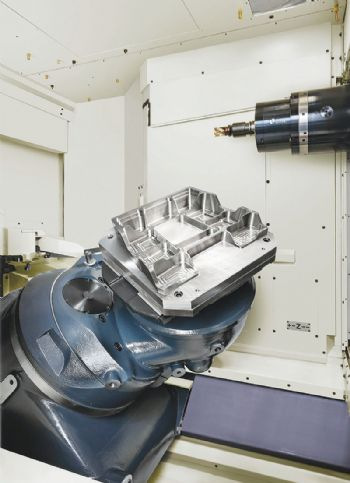 Efficient five-axis horizontal machining centre