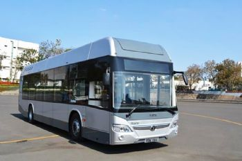 India's first-ever hydrogen fuel-cell-based bus