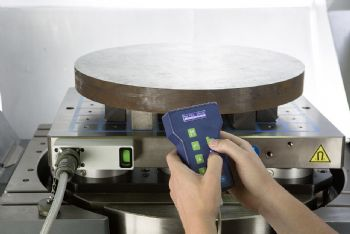 Magnetic chucks for low-deformation clamping