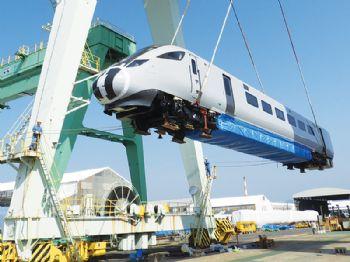 Nova 1 train for TransPennine Express leaves Japan