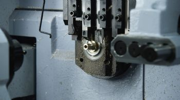 Sliding-head tools offer quick set up