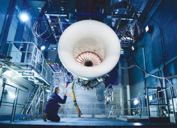 Rolls-Royce's Pearl 15 engine test milestone