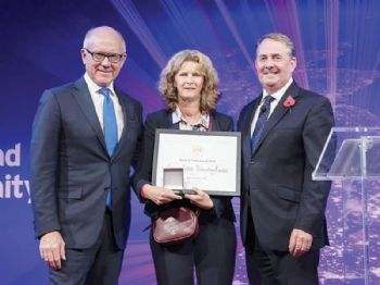 SSTL wins award for international trade