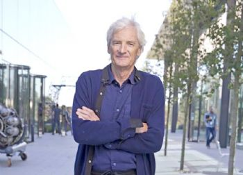 Dyson chooses Singapore over Britain to build car
