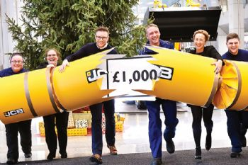 Record-equalling Christmas bonus for JCB
