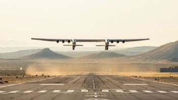 Stratolaunch completes historic first flight