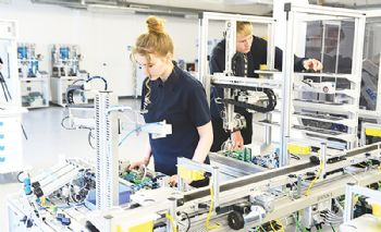 Derby College launches new engineering lab