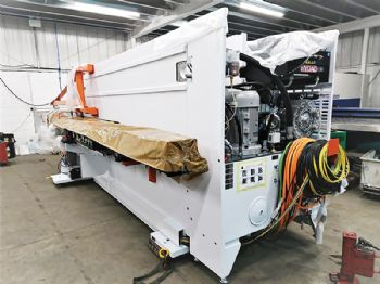 Metador invests in new punching machine
