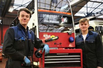 Lothian Buses to recruit 10 apprentices