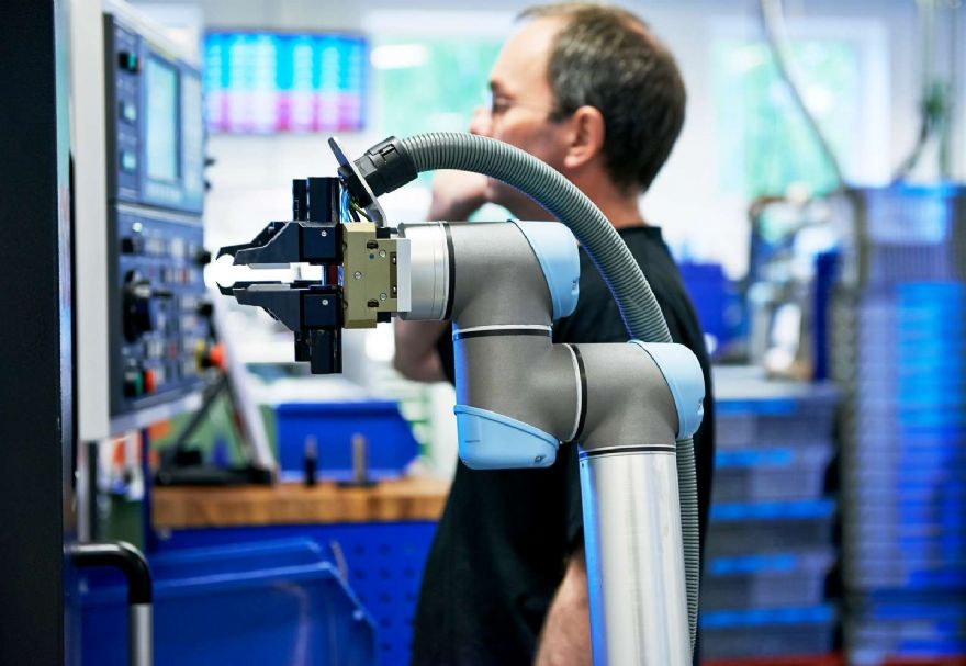 Cobots could streamline Covid-19 testing