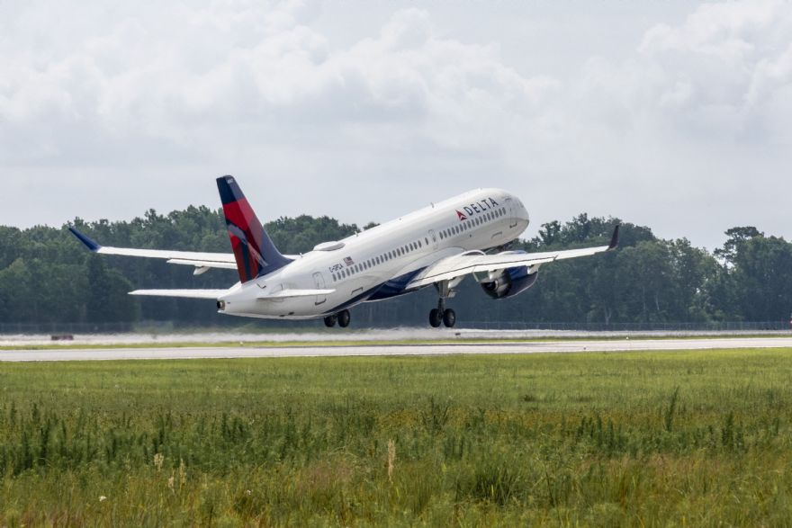 Airbus delivers first US-assembled A220-300