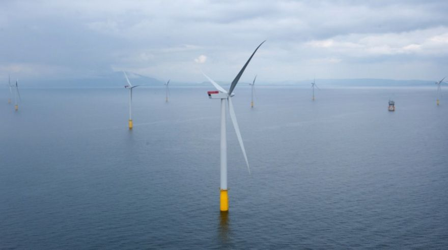 UK retains top spot for offshore wind projects
