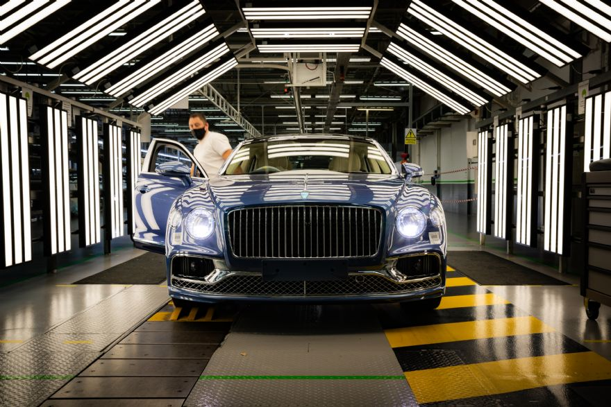 Flying Spur V8 enters full production