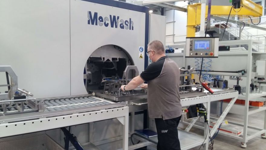 Another MecWash Maxi keeps it clean at Grainger and Worrall